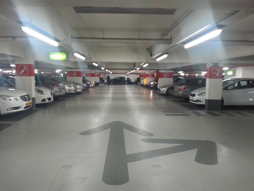 Foto-7-Voor-in-de-banner-met-text-PARKING